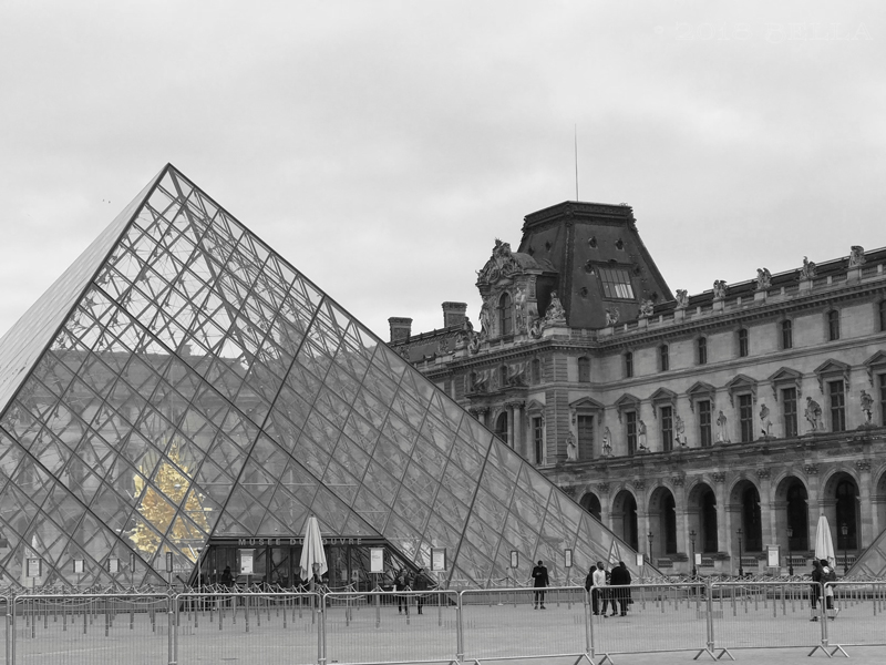 Paris-021-Louvre.jpg
